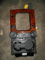 Блок переключателей центральной консоли VW Touareg
