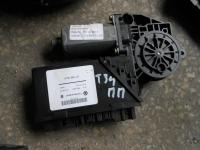 Мотор с/подъемника передний правый VW Touareg