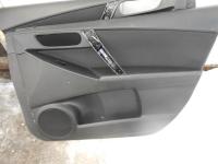 Обшивка передней правой двери Mazda 3