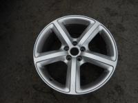 Диск колесный 8R0601025L  8J x 19  5/112  ET39  D66.6  для шин 235/55 R19  Audi Q5