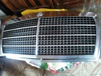 Решетка радиатора Mercedes W126 1979-1991