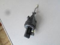Вакуумный привод кнопки запирания двери W 140