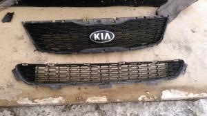 Решетка радиатора с кожухом Kia Sorento