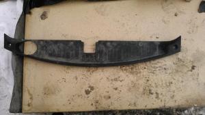 Накладка решетки радиатора Kia Sorento 2009>