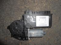 Мотор стеклоподъемника задней левой двери VW Touareg BKS